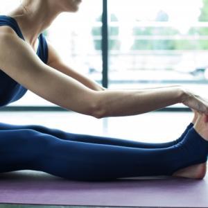 体が硬い原因は運動不足かも