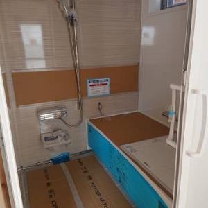 大阪市T様邸 ユニットバス入りました