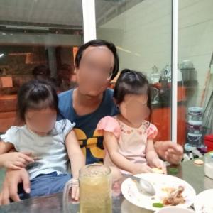 タイ人スタッフの自宅に招かれて晩飯をご馳走ななった