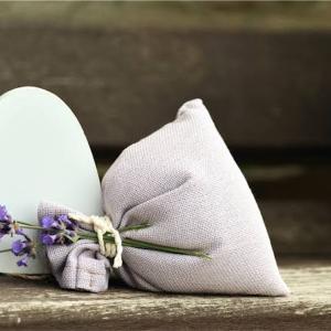 大切な靴を清潔に保つ、ハーブのサシェ作り。