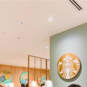 横浜愛を深める!スターバックスのロゴカラー。
