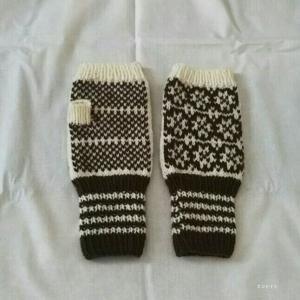 ノスタルジックなエストニア柄の指なし手袋 完成♪
