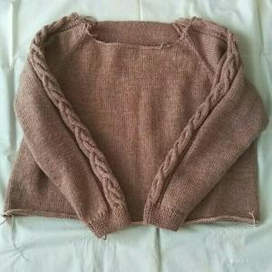 ラグランスリーブのセーター 2