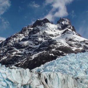 頂上に達したら、新たな頂をめざして、また上り始めればよい~ハリール・ジブラーンの言葉