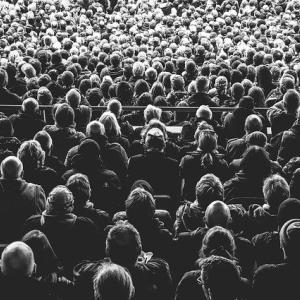 人と人とのあいだに起こる問題のほとんどは、誰しもがまず、 他人を~ロバート・コンクリンの言葉