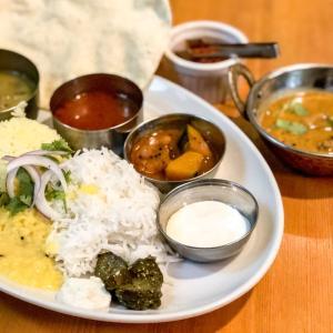 ミールスが愉しめる南インドカレー『ポラポラ食堂』
