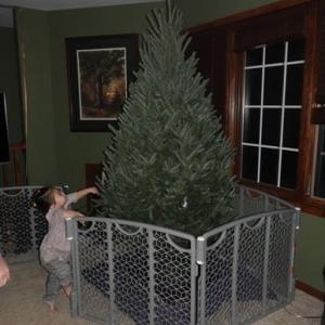 ツリーの飾り付け (Tree Decoration)