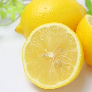 レモンを食べると血圧が下がって、血管年齢がダウン!