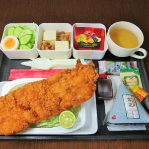 なんちゃって機内食「機内食チャレンジ_525」チキンカツ2