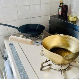最近の変化、、鉄フライパンと金の鍋!