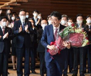 【行動】安倍前首相が靖国神社を参拝!!!!!!総理在職中の2013年12月以来!