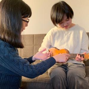 ギター経験者が体験レッスンでウクレレを弾くと・・・