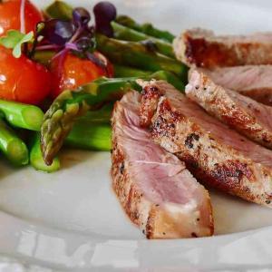 眞鍋かをりの妊娠後ダイエットは肉食で痩せられる?
