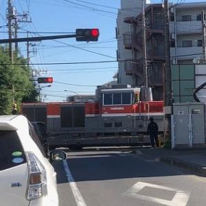 踏切の信号は正常に動作していました:福生市熊川