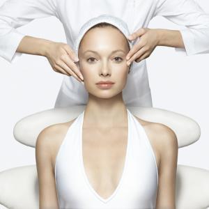 セラミドってなに?美肌効果がすごい!セラミド化粧品の選び方
