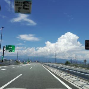お盆休みだけれど高速道路がスイスイ
