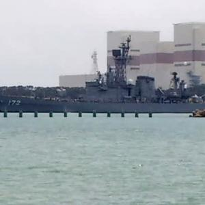 昨日、和歌山に釣りに行ったら、護衛艦が接岸していた