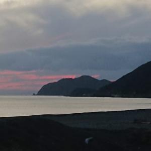 「荒れた後 静かな海に 鯵ありや?」和歌山県 煙樹ヶ浜の鯵釣り