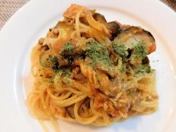 【食】ツナとキノコのトマトスパゲッティ