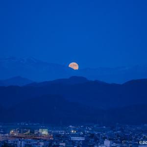 ブルームーンって何?~月の撮影に挑戦!~