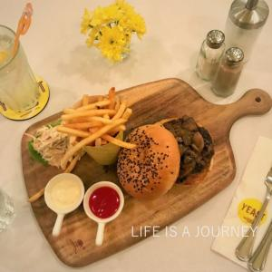 マレーシア移住14ヵ月目【AREA:Bangsar】月イチお一人様ランチ@がっつりハンバーガー♡