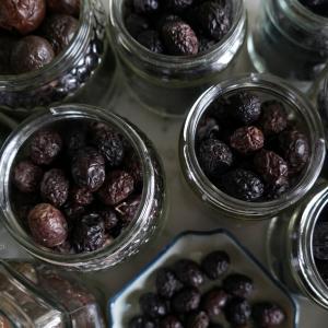 黒オリーブを保存する Olive Nere