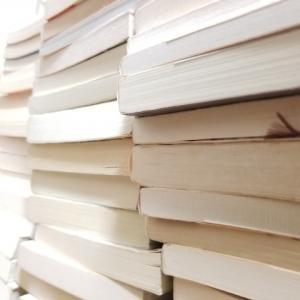 忙しい時こそ書斎の片付け祭り!収納する前に本棚から本や書類を全部出しすることからスタート