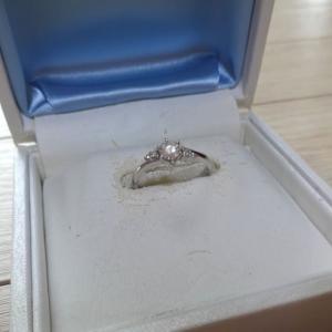婚約指輪を宅配買取で売却。2社比較したら価格差がエグかったので共有しますw