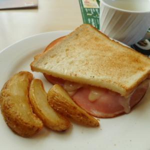 実食!【ジョナサンのモーニング】ハム&チーズのホットサンドモーニング