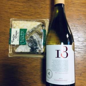 モンブランタルト&ミルククレープに白ワインのおやつ