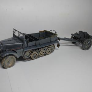 """【完成】ドラゴン 1/35 Sd.kfz.10 A型&10.5cm榴弾砲 """"第19装甲師団"""""""