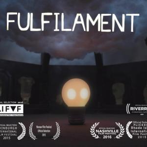 自分が一番が光れる場所を探す電球がめっちゃ可愛いショートアニメ『Fulfilament』