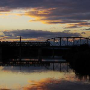 東武佐野線 渡良瀬川橋梁の夕日