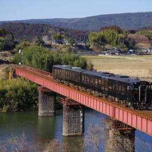 肥薩線 比内川橋梁のはやとの風
