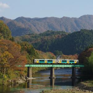 水郡線 第5久慈川橋梁の秋