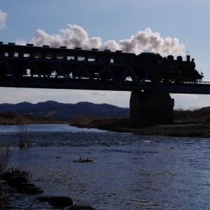 真岡鉄道 小貝川橋梁の河原から