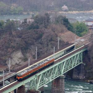 上越線 第3利根川橋梁の定番