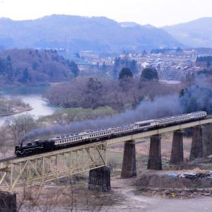 磐越西線 なつかしの列車(242)一の戸橋梁のばんえつ物語