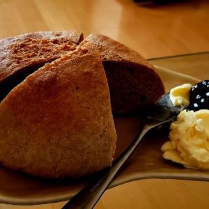 【男の手料理】全粒粉100%の手ごねパンを焼く。完全未経験でも、やればできる・・・はず^_^;