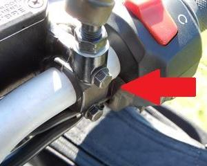 ヒマラヤン 車載工具で回せなかった8ミリボルト
