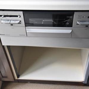 台所の補修=木工細工 (No 2091)