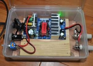 中華製スイッチング電源「WXDC2415」13.8V(改)8Aをケースに入れてみた。