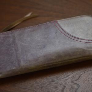 シンプルなL字ファスナーの長財布