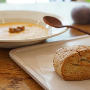 武蔵小杉カフェ:おやつ研究所 有機人参のスープと発酵バターのスコーンセット