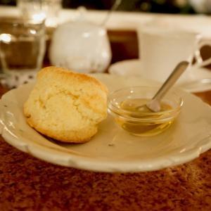 高円寺カフェ:喫茶ε(きっさ え)|綿雲(スコーン)とエルサルバドル