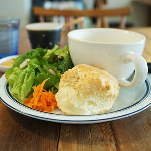 夙川カフェ:cafe upe(カフェ ウペ)|スコーンプレート(とうもろこしの豆乳スープ)