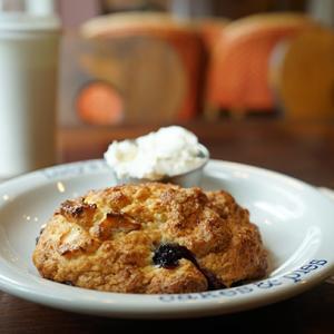 青葉台カフェ:Lusy's Bakery|ブルーベリー&クリームチーズのビスケット