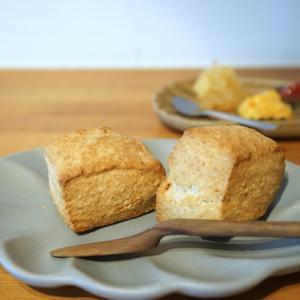 小平カフェ:amica|スコーン(ルバーブ、ネーブル、りんごのジャム)、ブラジル