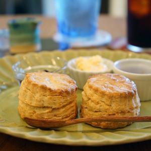 松戸カフェ:星子スコーン|クリームティー&TAWARA COFFEEのアイスコーヒー