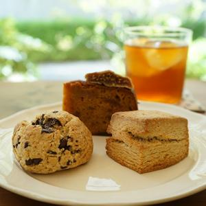 武蔵小杉カフェ:おやつ研究所|イートイン再開!石臼挽き全粒粉のスコーン&バターケーキ